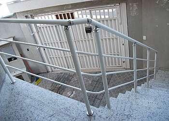 Corrimão de vidro para escada externa