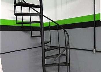 Corrimão de ferro para escada caracol